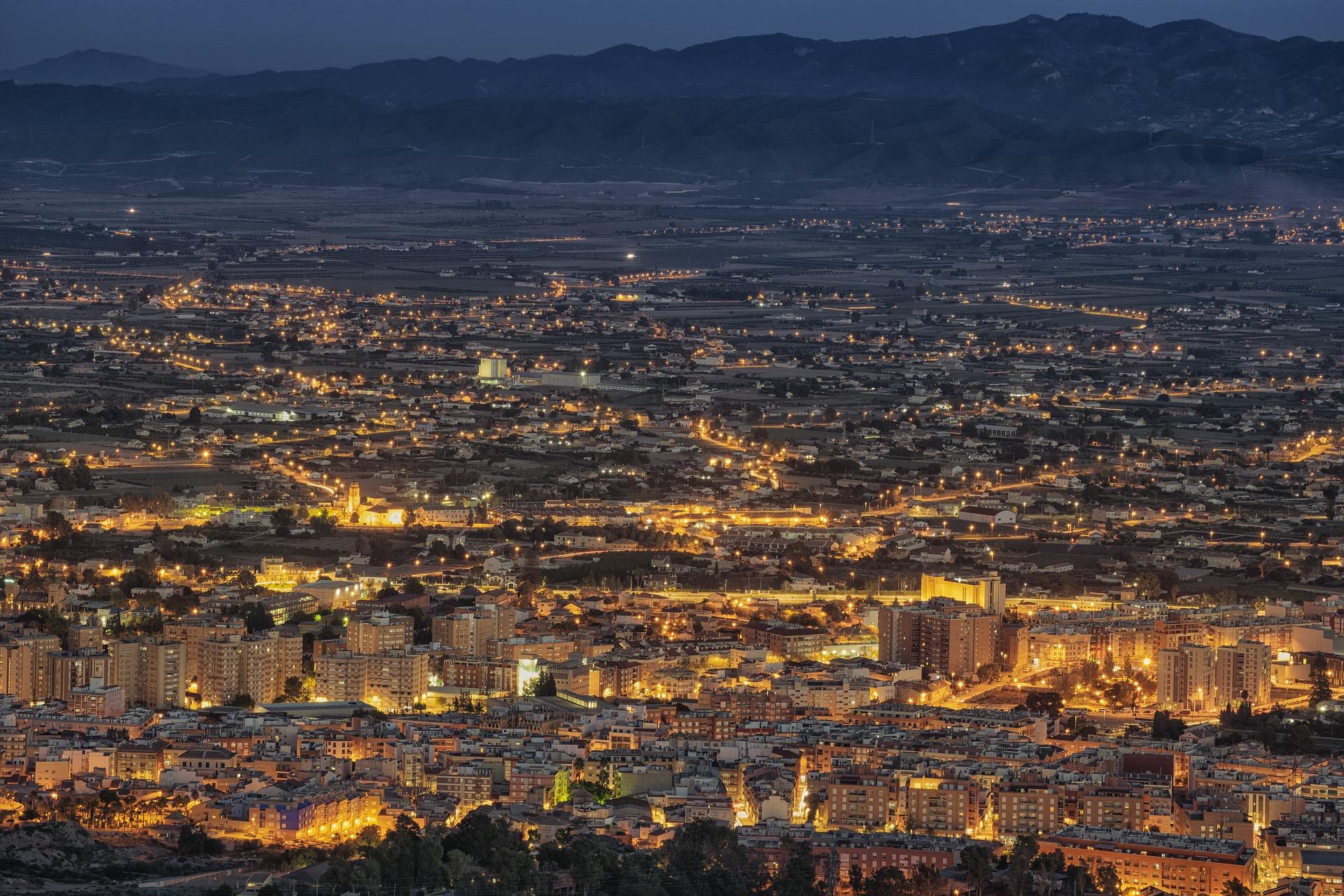 billede fra oven af Murcia om aftenen hvor jeg læste min kandidat i spanien