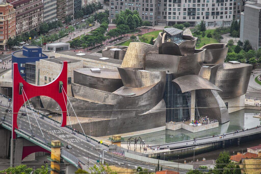 Guggenheim i Bilbao - spanske byer - alt om spanien