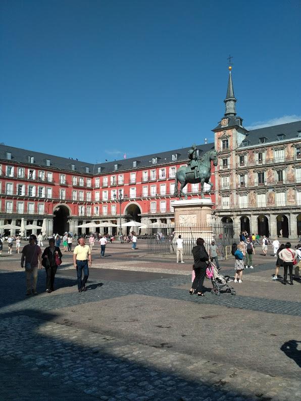 Plaza Mayor den centrale plads og seværdighed i Madrid