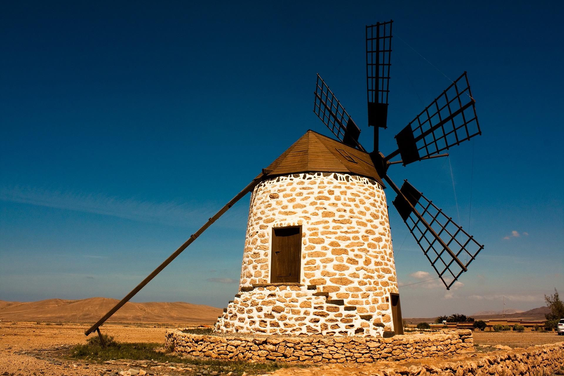 klassisk spansk vindmølle i Spanien