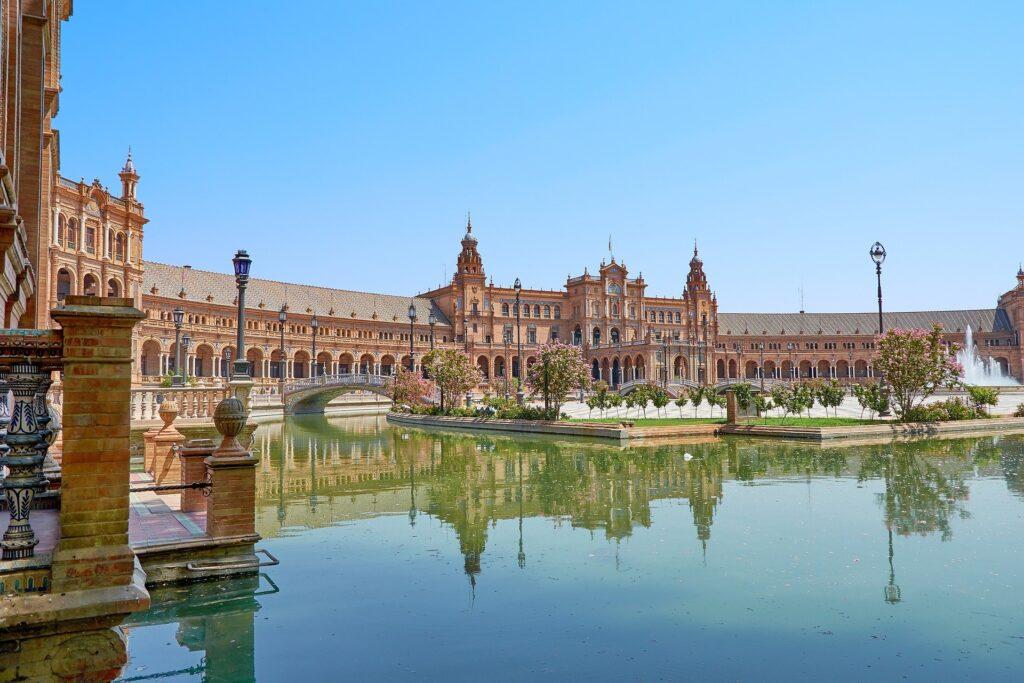 fordele ved at bo i spanien og sevilla