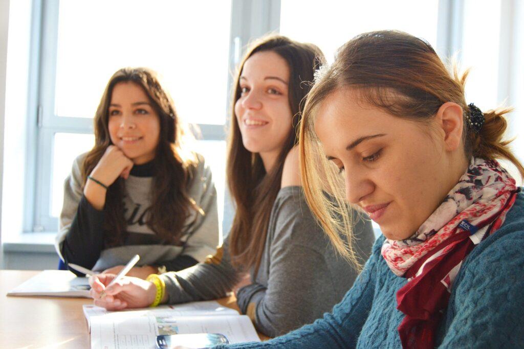sprogskole i Spanien | Både for unge og voksne | Alt om Spanien